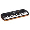 Casio SА-76 (оранжевый) - Синтезатор, миди-клавиатураСинтезаторы и миди-клавиатуры<br>Casio SА-76 - синтезатор для детей, встроенная акустика, клавиш: 44, невзвешенные, уменьшенные, количество тембров: 100, функция обучения, компактный корпус, питание от батареек/аккумуляторов, выход на наушники.<br>
