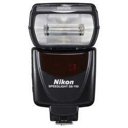 Nikon Speedlight SB-700 :