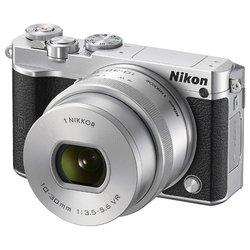 Nikon 1 J5 Kit (серебристый)