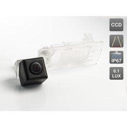 CCD штатная камера заднего вида с динамической разметкой для VOLKSWAGEN GOLF V PLUS / GOLF VI PLUS / JETTA VI / PASSAT B7 / PASSAT B7 VARIANT / POLO V SEDAN / SHARAN II / TOURAN (2011-...) / TOUAREG II (AVIS AVS326CPR (#102))