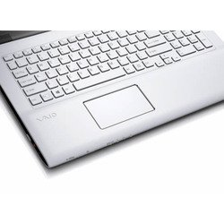 "sony vaio sv-e1713s1r/w (core i3 3120m 2500 mhz, 17.3"", 1600x900, 4096mb, 750gb, dvd-rw, wi-fi, bluetooth, win 8 64) white"