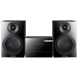 Samsung MM-E320D (������)