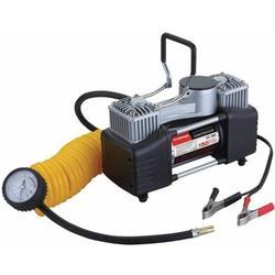 Starwind CC-300 - КомпрессорКомпрессоры<br>Компрессор, максимальный ток потребления - 23 A, максимальное давление, атм. - 10.2, напряжение питания - 12 В, производительность - 65 л/мин, длина шланга - 5 м, длина провода питания - 3 м.