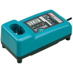 Зарядное устройство Makita (193864-0) - АккумуляторАккумуляторы и зарядные устройства<br>Входное напряжение (В) 110-240, выходное напряжение (В) 7,2-14,4. Тип заряжаемых аккумуляторов Ni-Cd; Ni-Mh. Совместимые модели:00-0003-00-00, 23-340, 940-1218, 960-0511, BAT-1400A, BP-T35, CS-CPB9038, HHR-P592, KX-A92, P-P592, S60522, T143, TYPE 92