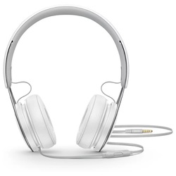 Beats EP On-Ear (белый) - НаушникиНаушники и Bluetooth-гарнитуры<br>Наушники с микрофоном, накладные, поддержка iPhone, разъем mini jack 3.5 mm.