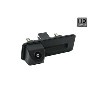 CCD штатная камера заднего вида для Audi, Skoda, Volkswagen (AVS327CPR (#123)) - Камера заднего видаКамеры заднего вида<br>Камера проста в установке и незаметна, что позволяет избежать ее кражи или повреждения. HD сенсор и разрешение в 1000 тв-линий дают полную информацию всего происходящего за автомобилем и облегчают процесс парковки. Камера обладает широким углом обзора - 170°. Класс пыле- и влагозащиты камеры IP67 обеспечивает стабильную работу и сохранность камеры практически в любых погодных условиях. Камера оснащена отключаемыми линиями разметки.