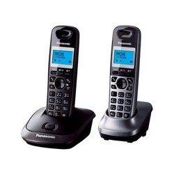 Panasonic KX-TG2512 (черный/темно-серый металик) - РадиотелефонРадиотелефоны<br>Panasonic KX-TG2512 - комплект из базы и двух трубок, поддержка стандартов DECT/GAP, громкая связь (спикерфон), определитель номеров (АОН/Caller ID), аккумуляторы: AAAx2, монохромный дисплей на трубке, полифонические мелодии