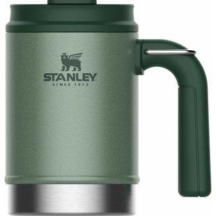Термокружка Stanley The Big Grip Camp Mug (10-01693-025) (зеленый) - Термос, термокружкаТермосы и термокружки<br>Термокружка 0.47L c корпусом и внутренней колбой из нержавеющей стали 18/8. Сохраняет тепло 2 часа, холод 4 часа, напитки со льдом 20 часов. Герметична, c вакуумной изоляцией. Крышка с защелкой. Пластиковая ручка с кольцом для крепления к рюкзаку. Для мытья в посудомоечной машине.