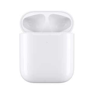 Футляр с возможностью беспроводной зарядки для Apple AirPods (MR8U2RU/A) (белый) - АксессуарАксессуары для наушников и гарнитур<br>Заряжать AirPods очень просто: поместите их в футляр с возможностью беспроводной зарядки и положите его на устройство для беспроводной зарядки стандарта Qi.