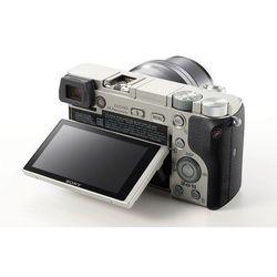 Sony Alpha A6000 Kit (silver 24Mpix 16-50 3 SDXC SDHC комплект с объективом) - Фотоаппарат цифровойЦифровые фотоаппараты<br>Sony Alpha A6000 Kit - фотокамера с поддержкой сменных объективов, объектив в комплекте, матрица 24.7 мегапикселов (23.5 x 15.6 мм), съемка видео разрешением до 1920x1080, поворотный экран 3quot;, Wi-Fi, вес камеры без объектива 460 г