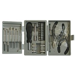 Ningbo TC-2101 - Набор инструментовНаборы инструментов<br>Ningbo TC-2101 - универсальный, количество предметов: 20, отвертки, биты, торцевые головки, пассатижи, кусачки