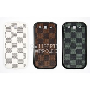 Чехол накладка для Samsung Galaxy S3 i9300 (CD125090) (LV коричневая клетка) - Чехол для телефонаЧехлы для мобильных телефонов<br>Плотно облегает корпус и гарантирует надежную защиту от царапин и потертостей.