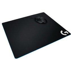 Logitech G640 Cloth Gaming Mouse Pad (943-000089) (черный) - Коврик для компьютерной мышиКоврики для мышей<br>Большой коврик для мыши, однородная структура, хороший уровень скольжения, резиновая основа. Размеры: 460 х 400 х 3 мм.