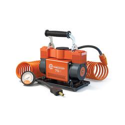 Агрессор AGR-75 - КомпрессорКомпрессоры<br>Компрессор автомобильный, металлический, двухпоршневой, 12V, 300W, производ-сть 75 л./мин., переходники для накач. лодок, сумка. Диапазон измерений: 0-150 PSI/0-10 BAR, еденица измерения: Aтм/Psi, питание: на клеммы АКБ.