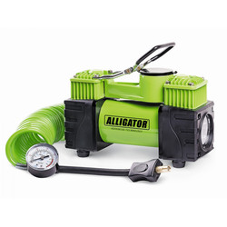 Alligator AL-500 - КомпрессорКомпрессоры<br>Компрессор автомобильный металлический, двухпоршневой, 12V, 220W, производ-сть 55 л./мин., шланг 4 м., LED фонарь, переходник. Диапазон измерений: 0-150 PSI/0-10 BAR, еденица измерения: Aтм/Psi, конструкция:двухпоршневая, питание: от АКБ.