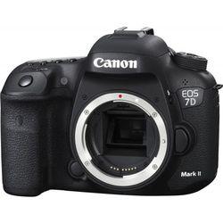 Canon EOS 7D Mark II Body - Фотоаппарат цифровойЦифровые фотоаппараты<br>Продвинутая зеркальная фотокамера, байонет Canon EF/EF-S, без объектива в комплекте, матрица 20.9 МП (APS-C), съемка видео Full HD, экран 3quot;, влагозащищенный корпус, вес без элементов питания 820 г.